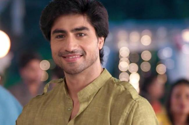 This is Harshad Chopda's look as Aditya post leap in Bepannah