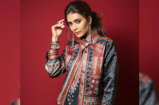 Karishma Tanna follows the trend on social media