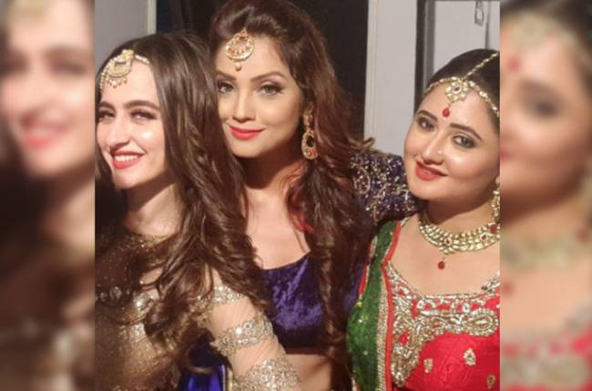 TBT when Rashami Desai and Adaa Khan lifted Sanjeeda Sheikh amusingly
