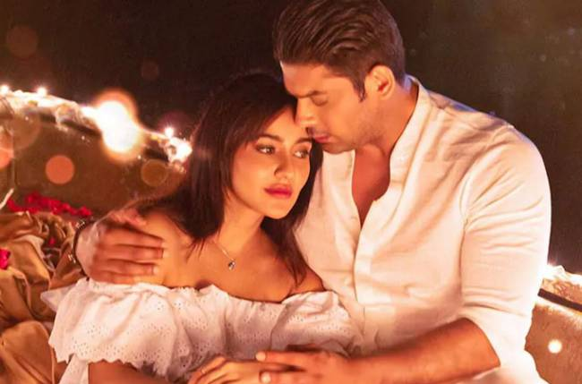 Sidharth Shukla, Neha Sharma's new BTS photo from Dil Ko Karaar Aaya sets is all about their chemistry
