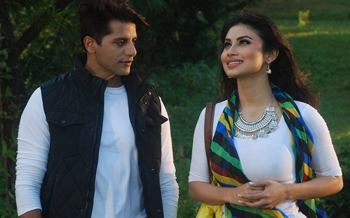 Vengeance Begins: Shivangi gets 'SHOT' by Yamini in Naagin 2!