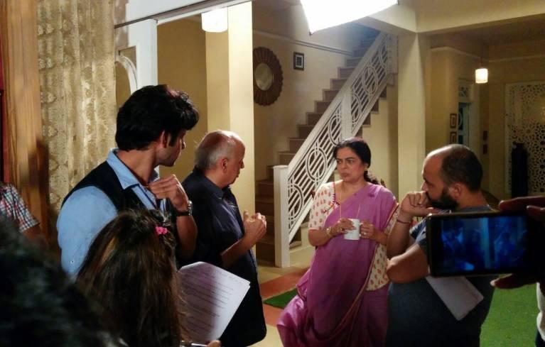 Priyal Gor continues shooting despite eye problems!