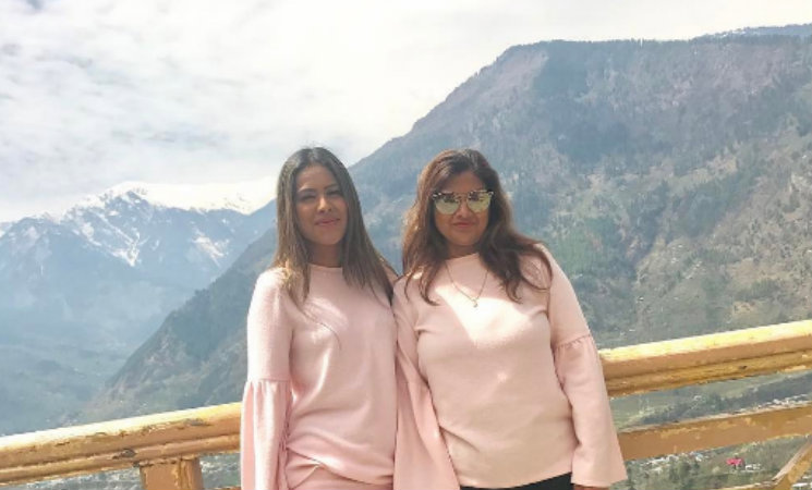 #Stylebuzz: Here's Nia Sharma Style Twinning With Her Special Someone!