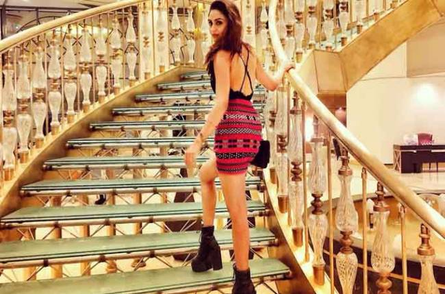Krystle D'Souza looks SIZZLING HOT in this PHOTO