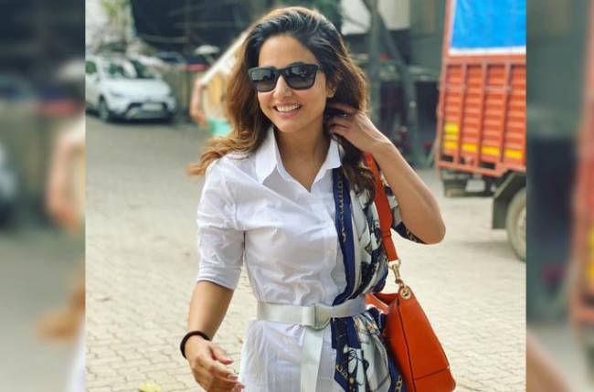 Hina Khan proves her dedication to her work