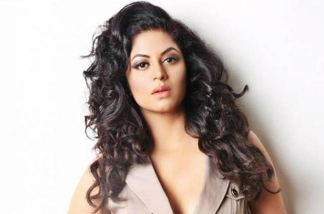 Kavita Kaushik reveals her witty side with her savage replies on social media