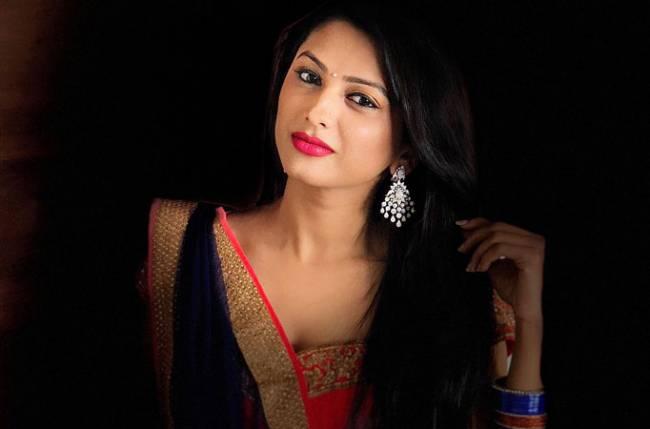 Rashi aka Rucha Hasnabis clarifies whether she will be a part of Saath Nibhaana Saathiya 2