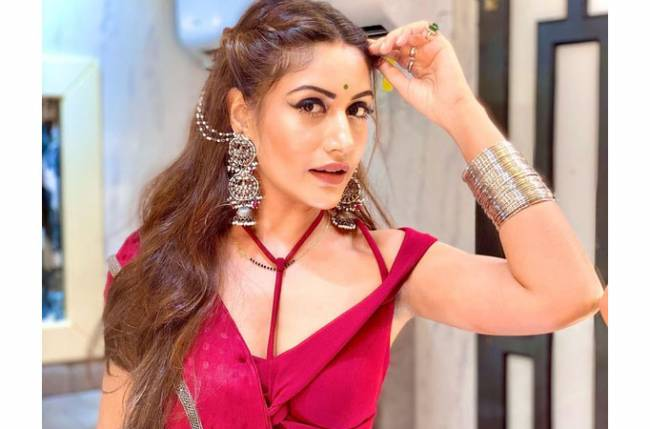 Naagin 5 actress Surbhi Chandna ends the weekend by gorging on delicious food