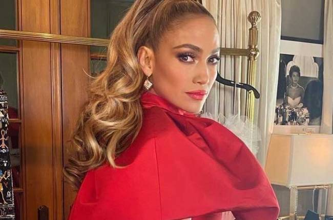 Jennifer Lopez to star in film adaptation of 'The Cipher'