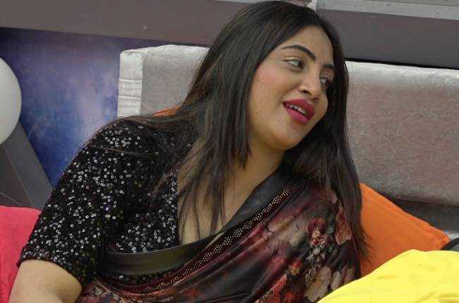 Bigg Boss 14: Arshi Khan describes the traits of the ideal man she's looking for; read on to find out more!