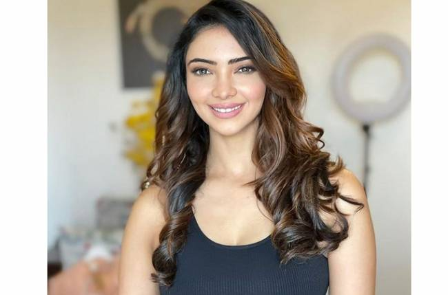 Interesting! Pooja Banerjee reveals exciting details about her post-leap character in Kumkum Bhagya