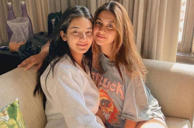 Zee TV's Kalyani and Chahat are giving us major BFFs Goals like Monica and Rachel from FRIENDS